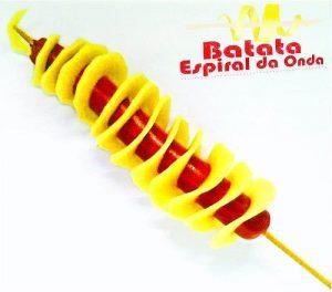 máquina-batata-espiral-no-palito-com-salsicha